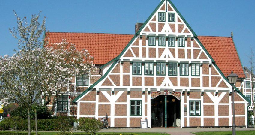 Rathaus in Jork (Quelle: Birgit Winter / Pixelio.de)